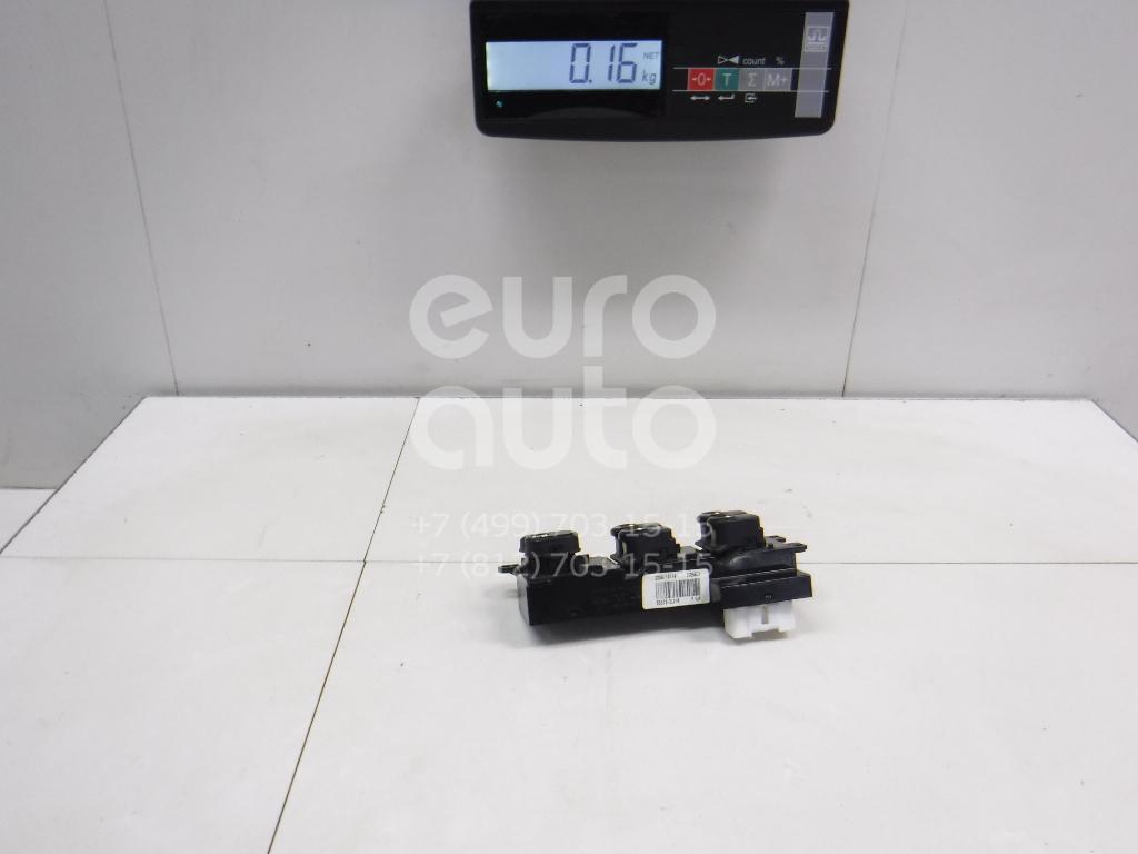 Блок управления стеклоподъемниками Hyundai i30 2007-2012; (935702L010)