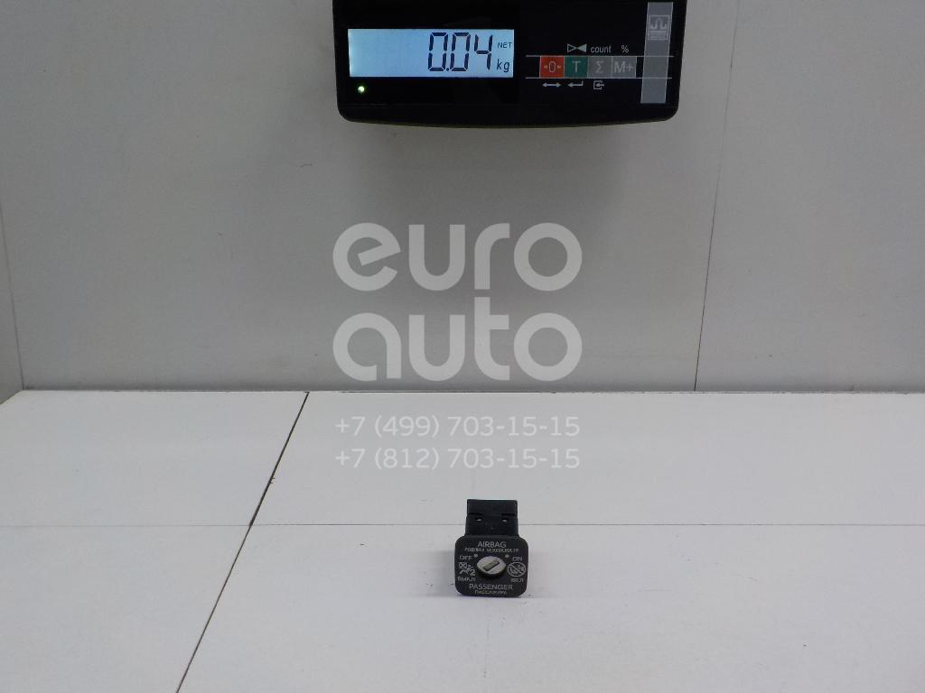 Купить Выключатель Toyota Corolla E18 2013-; (6906502010)