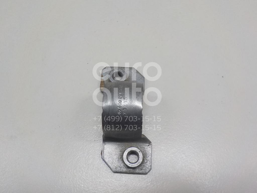 Кронштейн крепления переднего стабилизатора для Skoda Polo 2001-2009;A2 [8Z0] 2000-2005;Fabia 1999-2006;Fabia 2007-2015;Cordoba 2003-2008;Ibiza IV 2002-2008;Polo (Sed RUS) 2011>;Fox 2005>;Rapid 2013> - Фото №1