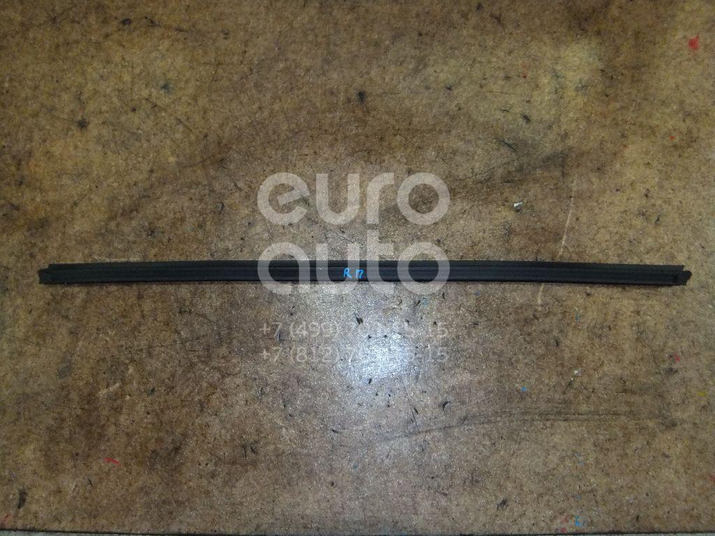 Уплотнитель стекла двери для Kia Sportage 2010-2015 - Фото №1
