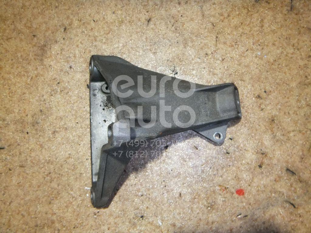 Кронштейн двигателя правый для VW,Audi Passat [B5] 1996-2000;A4 [B5] 1994-2000;A6 [C5] 1997-2004;Passat [B5] 2000-2005 - Фото №1