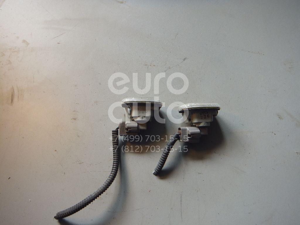 Повторитель на крыло белый для Lexus RX 300/330/350/400h 2003-2009 - Фото №1