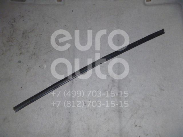 Накладка стекла переднего левого для Volvo C30 2006-2013 - Фото №1