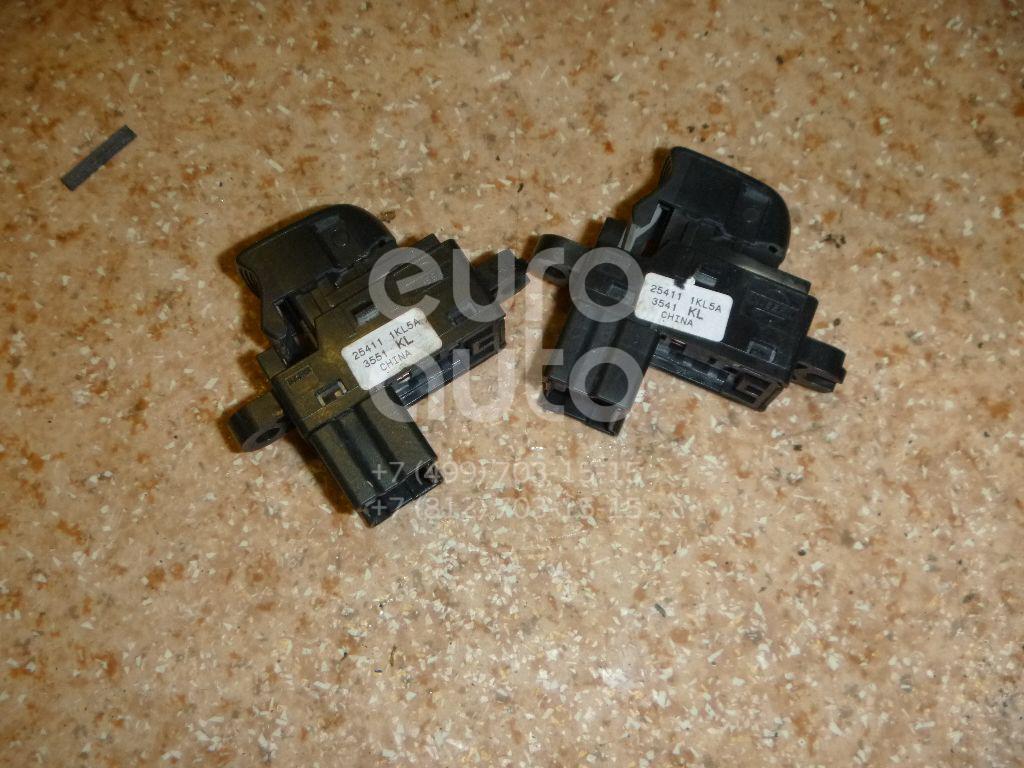 Кнопка стеклоподъемника для Nissan Juke (F15) 2011>;Sentra (B17) 2014>;Tiida (C13) 2015> - Фото №1