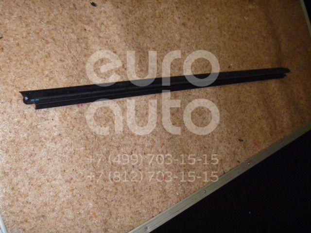Накладка стекла переднего правого для Toyota Verso 2009> - Фото №1