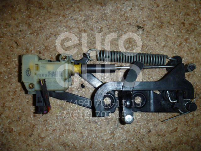 Ответная часть замка багажника для VW Phaeton 2002> - Фото №1