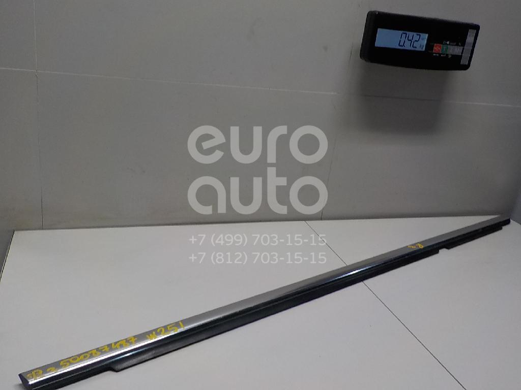 Накладка стекла заднего правого для Mercedes Benz W251 R-Klasse 2005> - Фото №1