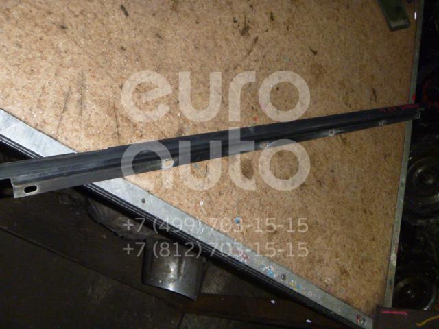 Накладка стекла переднего левого для VW Golf V 2003-2009 - Фото №1