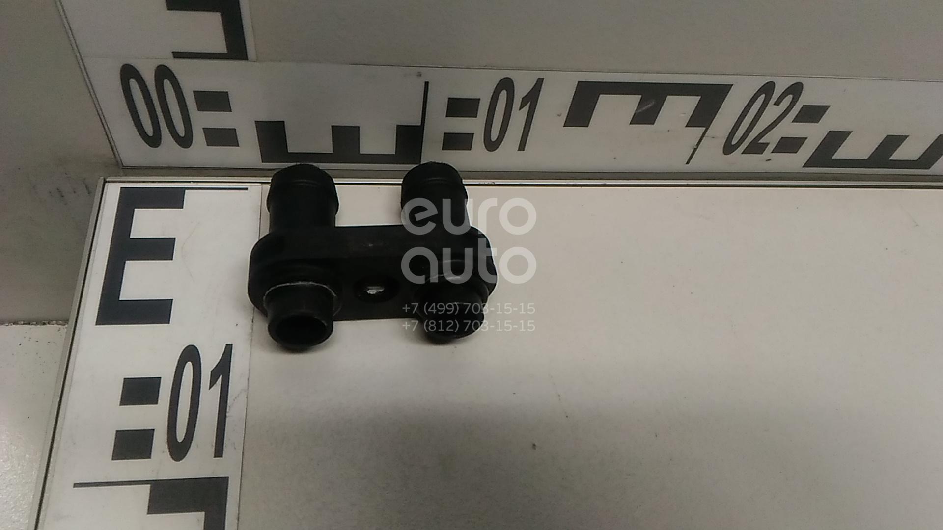 Фланец / тройник VW Polo 2001-2009; (6Q0121065N)