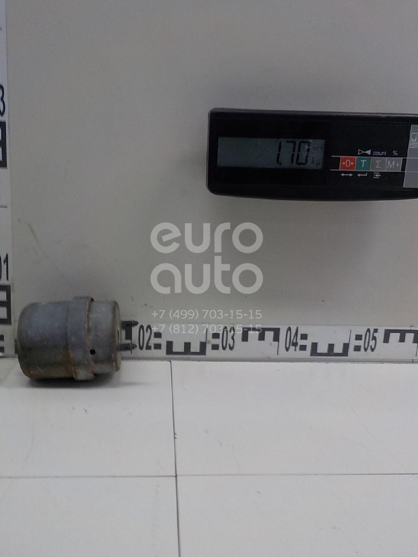 Опора двигателя правая VW Transporter T4 1996-2003; (7D0199132D)