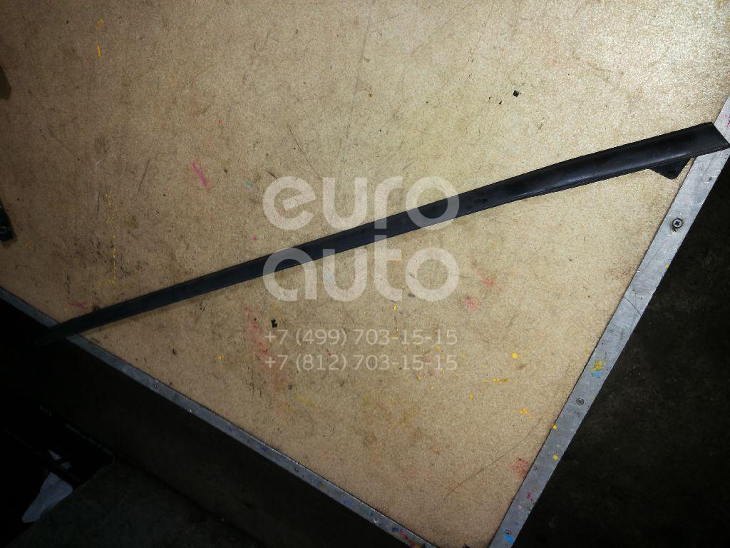 Накладка стекла переднего правого Ford Fiesta 2008-; (1763367)  - купить со скидкой