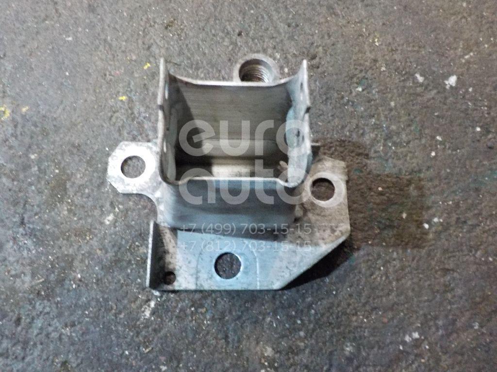 Купить Кронштейн усилителя переднего бампера правый Renault Clio III 2005-2012; (8200104186)