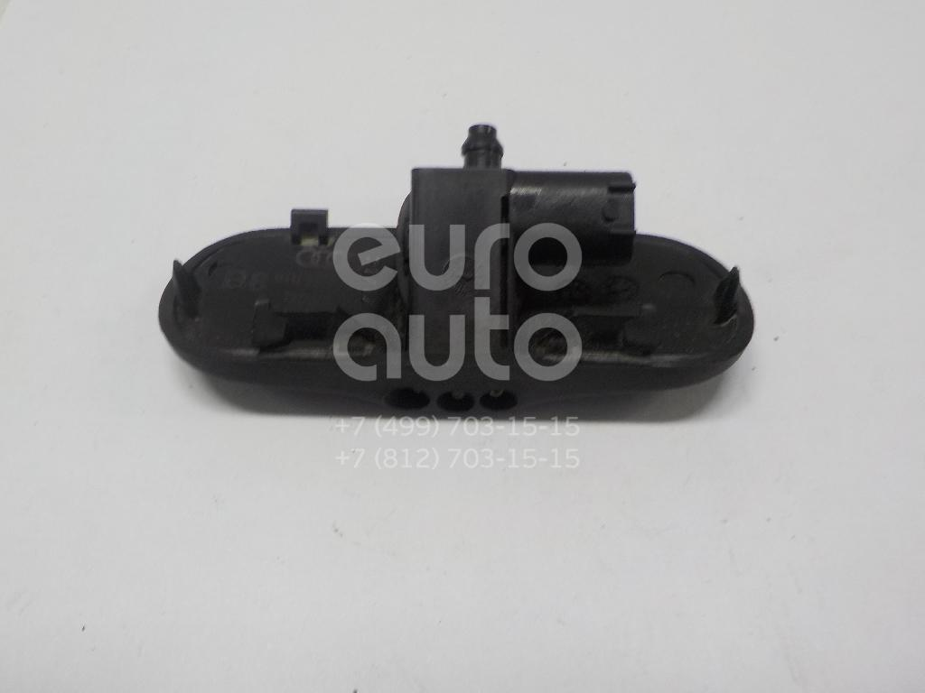 Купить Форсунка омывателя лобового стекла Audi A4 [B8] Allroad 2010-2015; (8T0955987B)