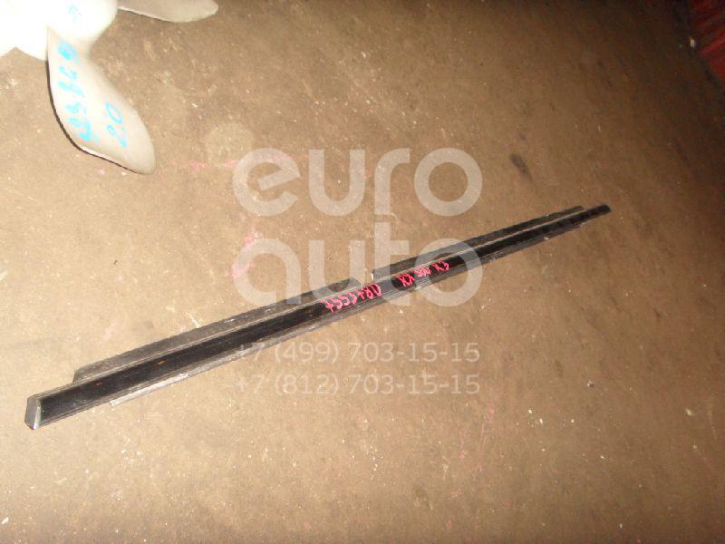 Купить Накладка стекла заднего правого Lexus RX 300/330/350/400h 2003-2009; (757300E010)