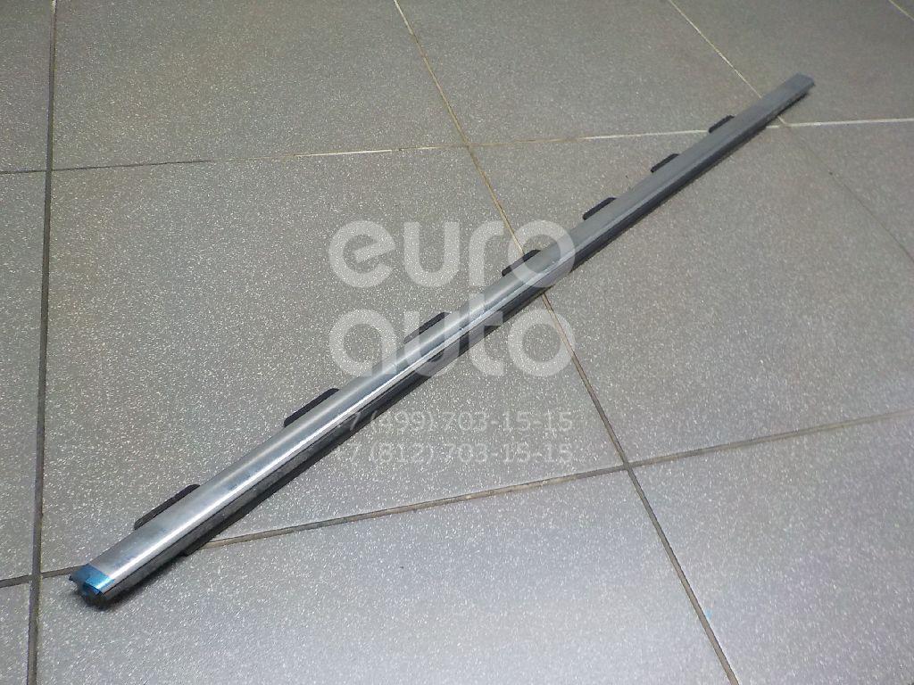 Купить Накладка стекла переднего правого Peugeot 208 2012-; (9673931380)
