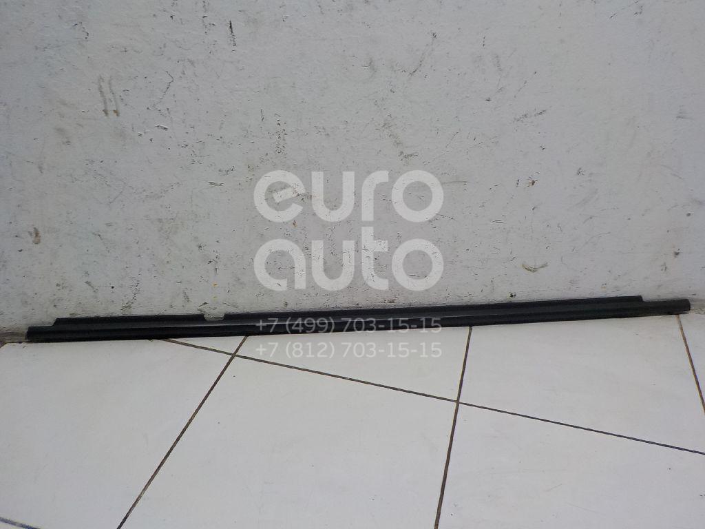 Накладка стекла заднего правого Toyota Corolla E15 2006-2013; (7573012300)