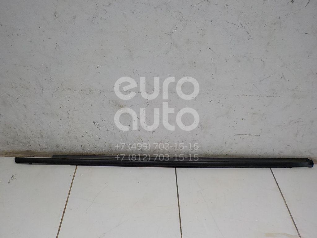 Накладка стекла переднего правого Mitsubishi ASX 2010-; (5727A214)