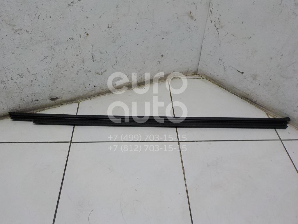 Купить Накладка стекла переднего правого VW Tiguan 2017-; (5NA8374805AP)