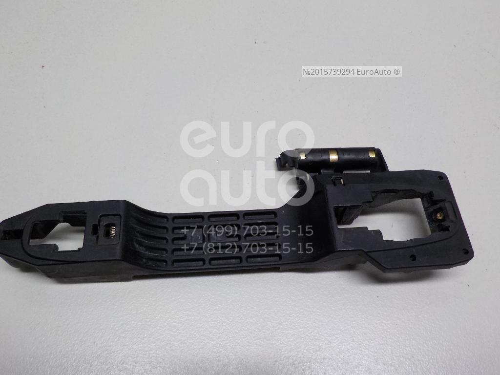 Купить Кронштейн ручки Toyota Camry V30 2001-2006; (6920233010)