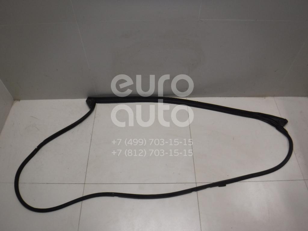 Купить Уплотнитель двери Toyota Highlander III 2013-; (678610E060)