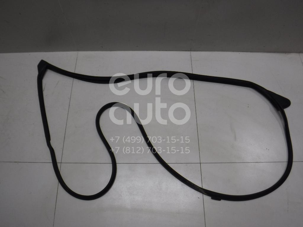 Купить Уплотнитель двери Toyota Highlander III 2013-; (678620E060)