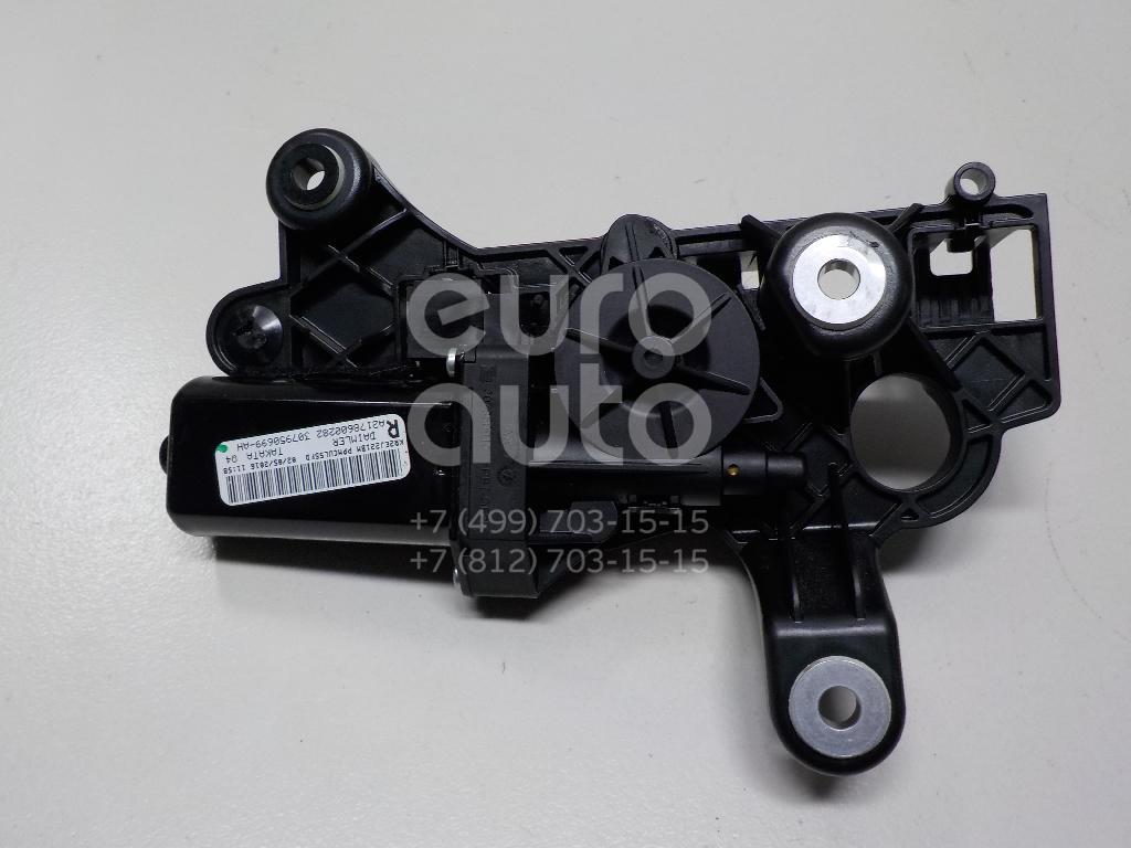 Купить Мотор подачи ремня безопасности правый Mercedes Benz W217 S-Klasse coupe 2014-; (2178600282)