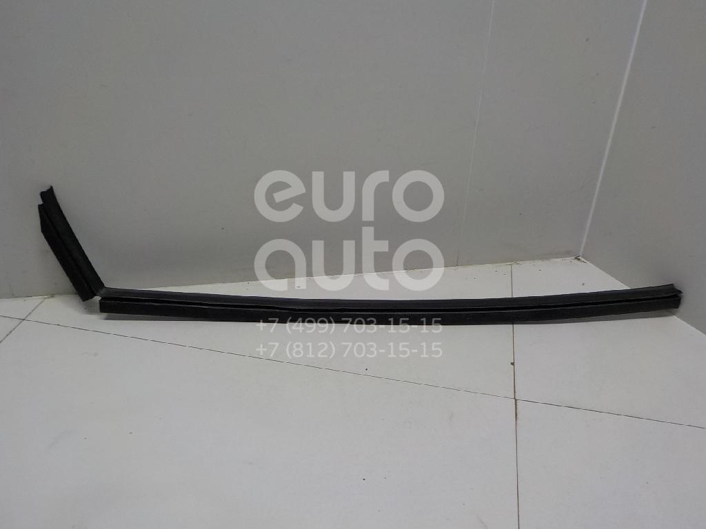 Купить Накладка стекла переднего правого Mercedes Benz Vito (638) 1996-2003; (6387250423)