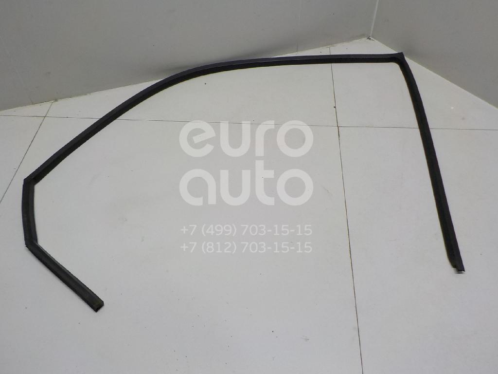 Купить Уплотнитель стекла двери Mercedes Benz Vito (638) 1996-2003; (6387250224)