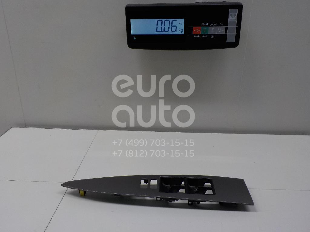 Купить Накладка блока управления стеклоподъемниками Toyota Avensis III 2009-; (7423205200)