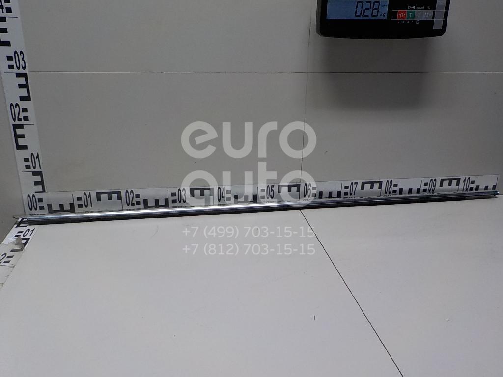 Купить Накладка стекла переднего правого VW Passat [B6] 2005-2010; (3C4837476C7Z7)