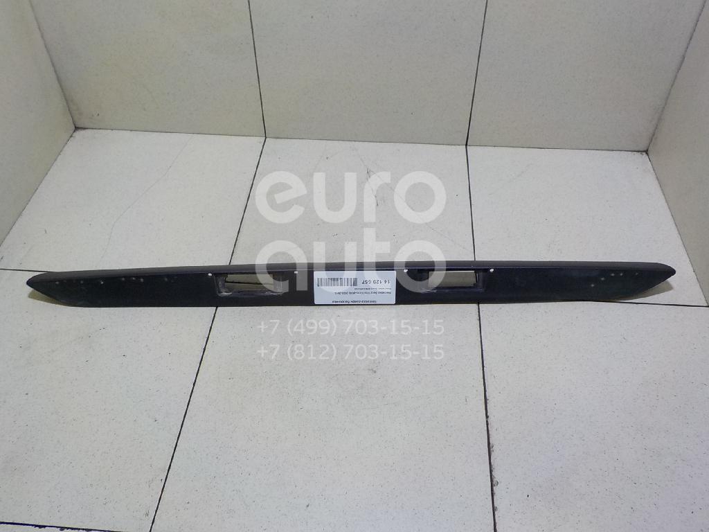 Купить Накладка двери багажника Mercedes Benz Vito/Viano-(639) 2003-2014; (6397432430)