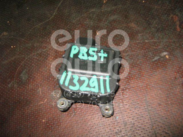Моторчик заслонки отопителя для VW,Audi,Seat,Skoda Passat [B5] 2000-2005;A3 (8L1) 1996-2003;A4 [B5] 1994-2000;TT(8N3) 1998-2006;Leon (1M1) 1999-2006;Toledo II 1999-2006;Octavia 1997-2000;Golf IV/Bora 1997-2005;Passat [B5] 1996-2000;New Beetle 1998-2010 - Фото №1