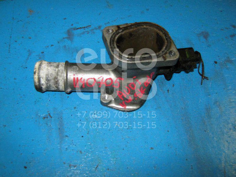 Фланец двигателя системы охлаждения для VW,Audi,Skoda Passat [B5] 2000-2005;A3 (8L1) 1996-2003;Octavia (A4 1U-) 2000-2011;Golf IV/Bora 1997-2005;A4 [B6] 2000-2004;A6 [C5] 1997-2004 - Фото №1