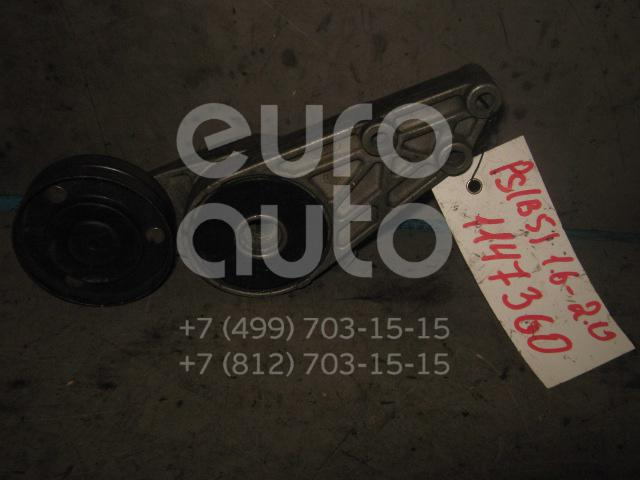 Ролик руч.ремня с кронштейном для VW,Audi Passat [B5] 2000-2005;A4 [B5] 1994-2000;A6 [C4] 1994-1997;Passat [B5] 1996-2000 - Фото №1