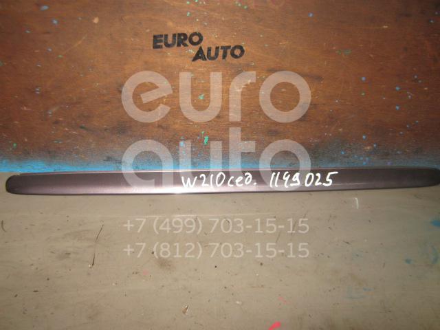 Накладка крышки багажника для Mercedes Benz W210 E-Klasse 1995-2000 - Фото №1