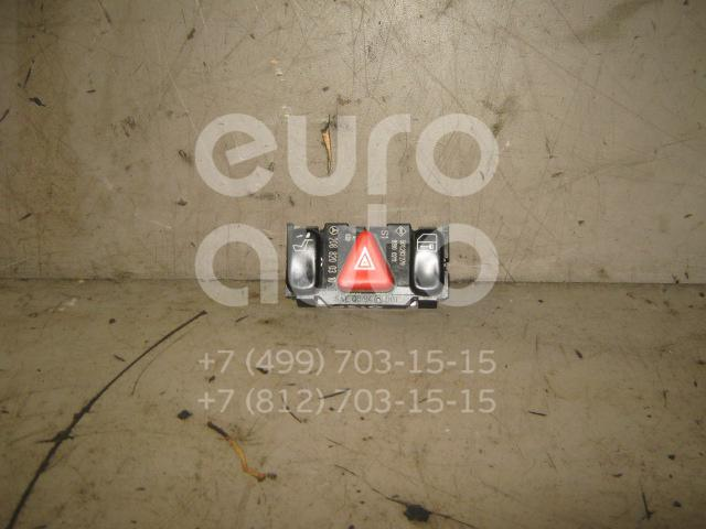 Кнопка аварийной сигнализации для Mercedes Benz W210 E-Klasse 2000-2002;W202 1993-2000;W210 E-Klasse 1995-2000;C208 CLK coupe 1997-2002 - Фото №1