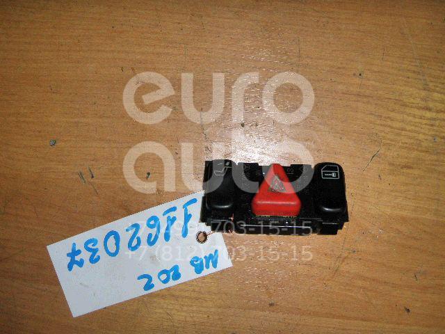 Кнопка аварийной сигнализации для Mercedes Benz W202 1993-2000;W210 E-Klasse 1995-2000;C208 CLK coupe 1997-2002;W210 E-Klasse 2000-2002 - Фото №1