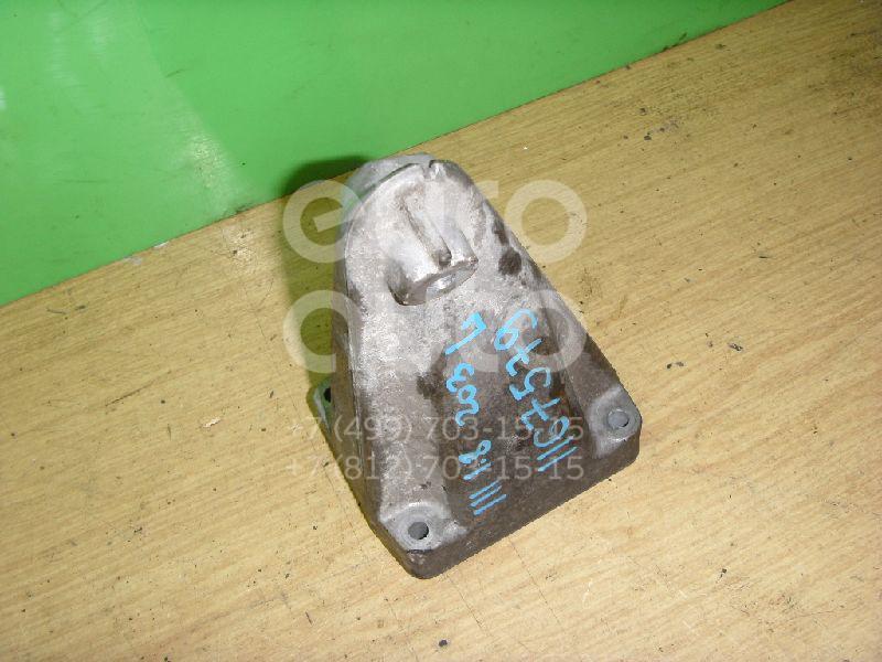 Кронштейн двигателя правый для Mercedes Benz W203 2000-2006 - Фото №1