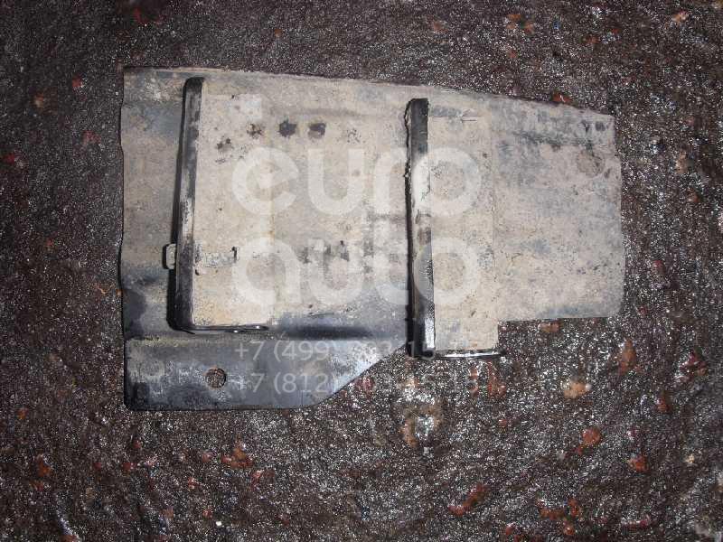 Кронштейн заднего бампера правый для Mitsubishi Pajero/Montero III (V6, V7) 2000-2006 - Фото №1