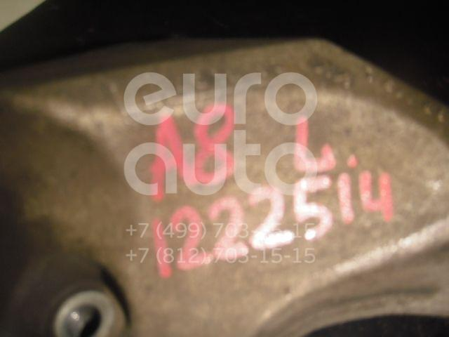 Кронштейн АКПП левый для Audi A8 [4D] 1994-1998 - Фото №1