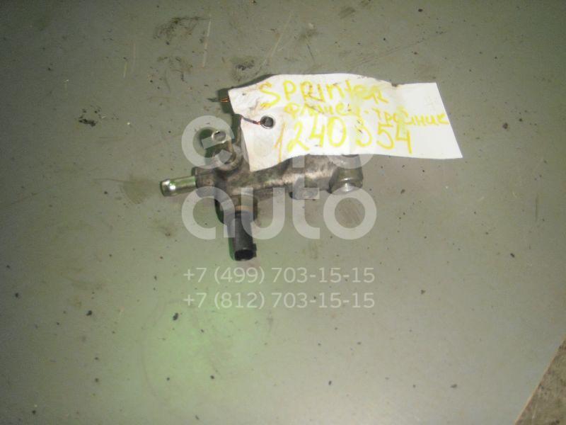 Фланец / тройник для Mercedes Benz Sprinter (901-905)/Sprinter Classic (909) 1995-2006;Vito (638) 1996-2003 - Фото №1