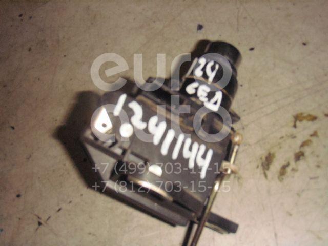 Кнопка открывания багажника для Mercedes Benz W124 1984-1993 - Фото №1