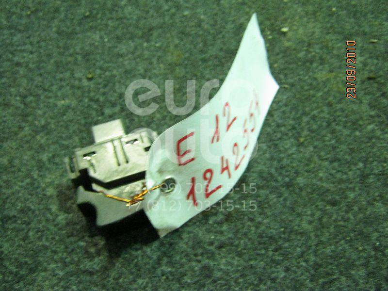 Кнопка стеклоподъемника для Toyota Corolla E12 2001-2006 - Фото №1