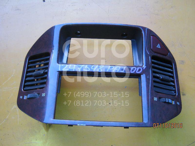 Кнопка аварийной сигнализации для Mitsubishi Pajero/Montero III (V6, V7) 2000-2006 - Фото №1