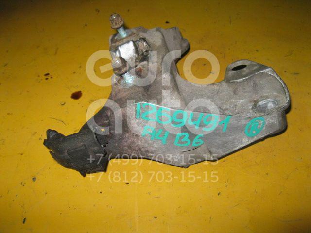 Кронштейн опоры двигателя для Audi,VW,Skoda A4 [B6] 2000-2004;A4 [B5] 1994-2000;Passat [B5] 1996-2000;A6 [C5] 1997-2004;Passat [B5] 2000-2005;Superb 2002-2008;A4 [B7] 2005-2007 - Фото №1