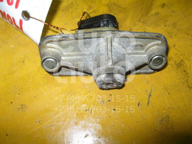 Вставка замка багажника для Ford Mondeo III 2000-2007 - Фото №1