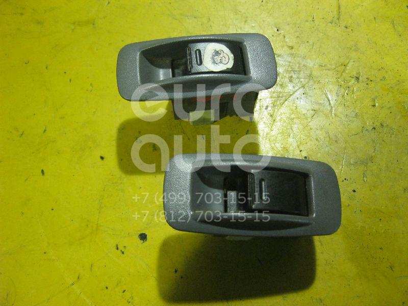 Кнопка стеклоподъемника для Toyota RAV 4 2000-2005;Echo 1999-2005;RAV 4 1994-2000;Corolla E10 1992-1997;HiAce H100 1995-2004;Camry V30 2001-2006;Gaia 1998-2003;Yaris 1999-2005;Picnic (XM10) 1996-2001;Camry V20 1996-2001 - Фото №1
