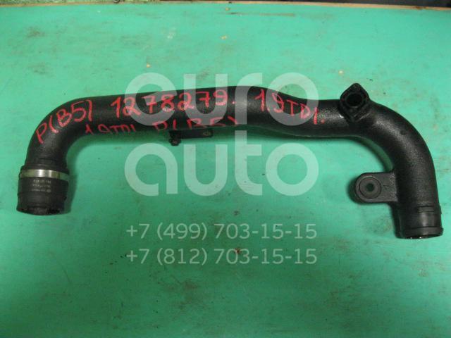 Патрубок интеркулера для Audi Passat [B5] 1996-2000;A4 [B5] 1994-2000;A6 [C5] 1997-2004 - Фото №1
