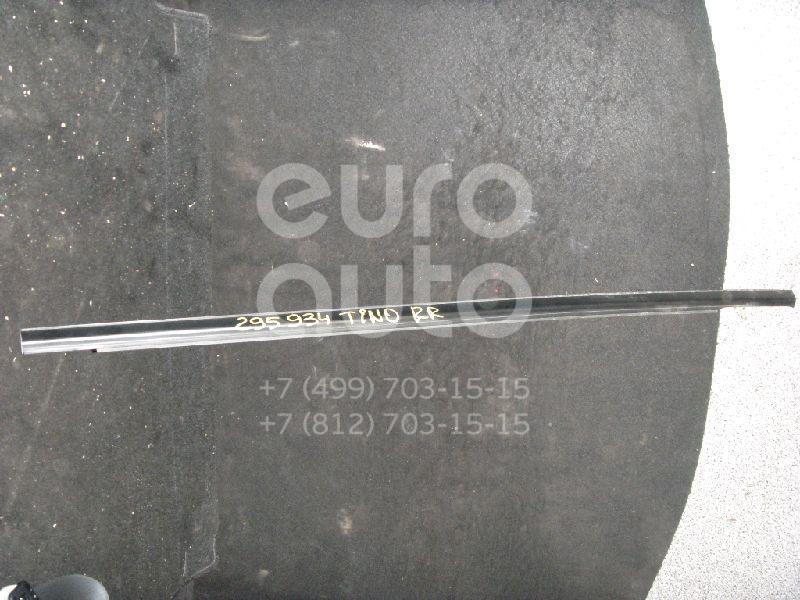 Накладка стекла заднего правого для Nissan Almera Tino 2000> - Фото №1