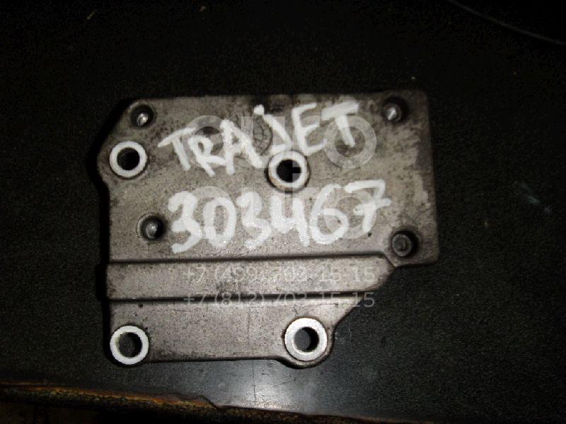 Кронштейн кондиционера для Hyundai Trajet 2000-2009 - Фото №1
